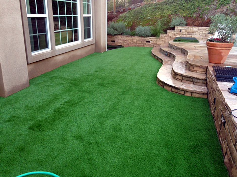 How to install artificial grass temple texas lawn and for Lawn and garden landscaping ideas